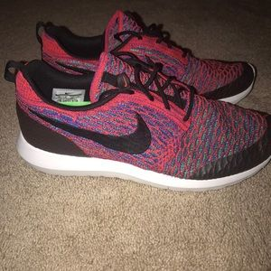 Men's Nike Sneakers- PERFECT condition!